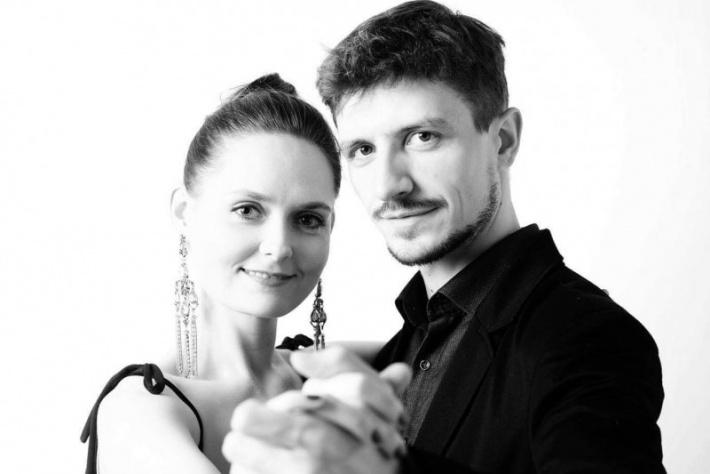 Бесплатный первый урок для начинающих от Николая Ростова и Анны Соколовой!