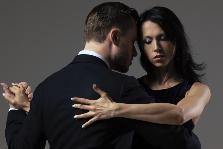 Пробный урок танго в начинающей группе с Михаилом Чудиным и Эльвирой Кашкаровой в клубе Ла Милонга (Павелецкая)