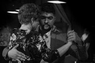 Новые начинающие группы по аргентинскому танго с ГюльОгланом Шахмуровым и Еленой Раченковой по пятницам в 18:00 и в 19:00 в клубе Планетанго