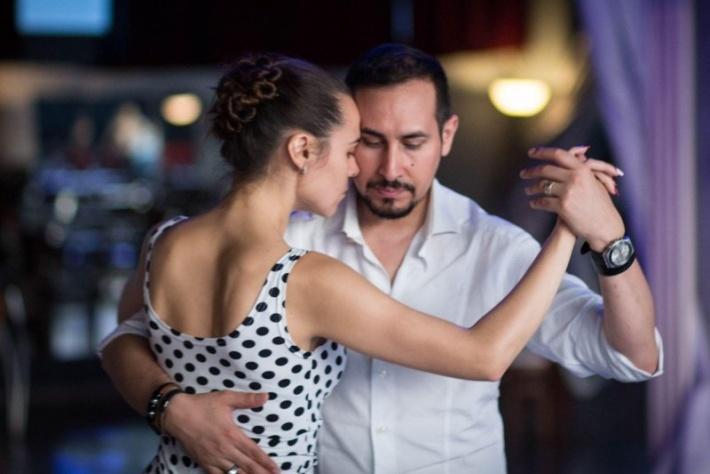 Открытый урок танго для продолжающих от Себастьяна Альзогарая и Эльвиры Шагеевой!